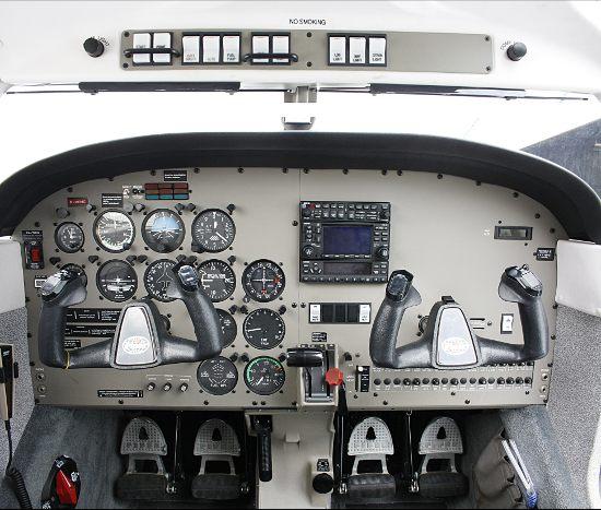 PA-28-cockpit-GRD